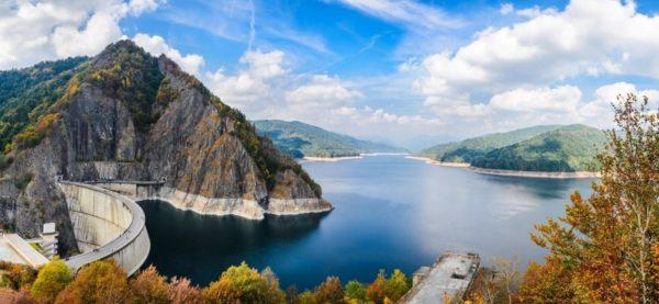 european-motorcycle-trips-vidraru-dam